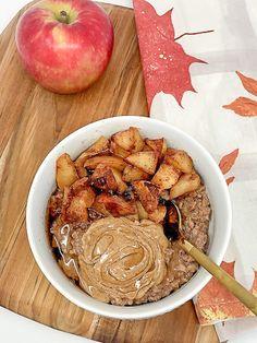 Apple Pie Cauliflower Oats Breakfast Dessert, Breakfast Recipes, Ripped Recipes, Frozen Cauliflower Rice, Macro Meals, Healthy Sweets, Apple Pie, Clean Eating, Ethnic Recipes