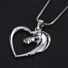 Beautiful Heart and Horse Charm necklace that describes the love for horses without words, a symbol of love for horses carried close to your heart! This can be used in many events, horse events, social equestrian events, in fact its a beautiful piece that combines our Love with the heart and the passion for horses!
