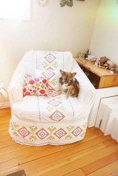 this chick is awesome! Slipcover tutorial...from an Ikea duvet cover! easy peasy!