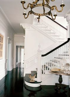 Michael Bruno- WSJ glossy black and white staircase Interior Exterior, Home Interior, Interior Design, Style At Home, Balustrades, Non Plus Ultra, Staircase Design, White Staircase, Rustic Staircase