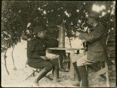 Milunka Savić (levo), najodlikovanija žena u istoriji vojevanja - Milunka Savić (on the left), the most awarded female combatant in the history of warfare, WWI