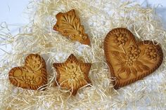 The most known cottage industry in Dražgoše is the baking of honey pastries called Dražgoše 'little bread'. They are handmade from honey dough and each is uniquely decorated with typical ornaments. The making of these 'little breads' is a tradition that dates back over 200 years.