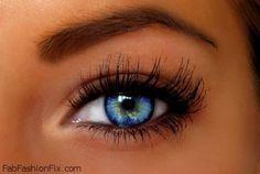 Subtle makeup for blue eyes