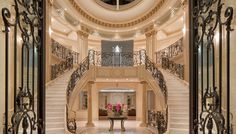 What does your dream house look like? This $72 Million mansion in Beverly Hills might meet your expectations.   Feel inspired: www.luxxu.net