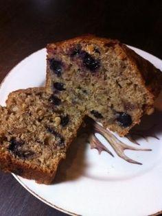 Californian sweet walnut bread with blueberries