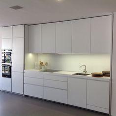 Bulthaup kitchens on pinterest winchester kitchen designs and showroom - Prijzen bulthaup b ...