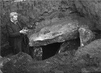Digitalisierungskonzepte Sachsen-Anhalt | Archäologie | Paul Höfer während der Ausgrabung am Pohlsberg bei Latdorf 1904 | Museum Schloss Bernburg