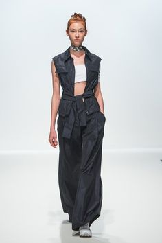 Haizhen Wang - Spring/Summer 2016 Ready-To-Wear - LFW (Vogue.co.uk)