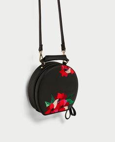 Image 5 of EMBROIDERED OVAL CITY BAG from Zara