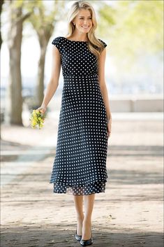 111 Inspired Polka Dot Dresses Make You Look Fashionable - Outfit Center Modest Dresses, Casual Dresses, Maxi Dresses, Summer Dresses, Modest Fashion, Fashion Dresses, Jeans Fashion, White Polka Dot Dress, Polka Dot Dresses