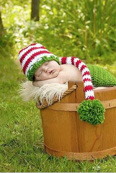 CCC127 Christmas Red White and Green Stripe Newborn Crochet Prop Hat - Backdrop Outlet
