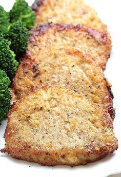 Baked Garlic Parmesan Pork Chops is one of those everyone-should-know-how-to-make recipes and somehow still rivals a restaurant-quality meal. It& easy, juicy and delicious and comes together quickly. In fact, it& hard to mess up! Breaded Pork Chops, Boneless Pork Chops, Pork Ribs, Baked Parmesan Pork Chops, Baked Garlic, Garlic Parmesan, Pork Recipes, Cooking Recipes, Good Pork Chop Recipes