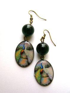 Green peacocks  earrings van KikiBelgium op Etsy