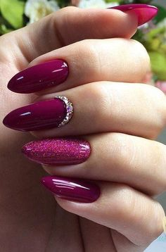 False nails have the advantage of offering a manicure worthy of the most advanced backstage and to hold longer than a simple nail polish. The problem is how to remove them without damaging your nails. Marriage is one of the… Continue Reading → Burgundy Nails, Red Nails, Hair And Nails, Magenta Nails, Shiny Nails, Red Glitter Nails, Dark Pink Nails, Maroon Nails, Glitter Paint