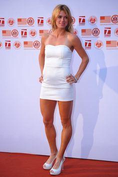 Beautiful Women Wearing Mini Skirts (Camila Giorgi looking AMAZING in a tiny white. Beautiful Celebrities, Gorgeous Women, Camila Giorgi, Tennis Players Female, Tennis Stars, Good Looking Women, Sporty Girls, Great Legs, Female Athletes