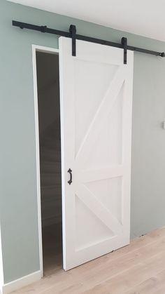 Loftdeur Contra-Z dekkend wit Home Bedroom, Home Living Room, Loft Door, Pole Barn House Plans, Dutch House, Safe Room, Metal Building Homes, Interior Exterior, Log Homes