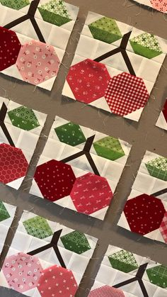 Patchwork Quilt Patterns, Paper Piecing Patterns, Quilting Projects, Quilting Designs, Snowball Quilts, Braid Quilt, Chicken Quilt, Flower Quilts, Cute Quilts
