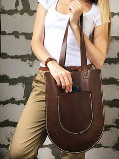 Items similar to Flat leather bag Shopper tote Market bag leather Leather shoulder bag purse Leather everyday bag Women laptop bag Tote shoulder bag women on Etsy Leather Purses, Leather Handbags, Leather Bag, Laptop Tote Bag, Bag Women, Laptop Bag For Women, Bleu Turquoise, Market Bag, Everyday Bag