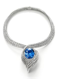 Jewelry Diamond : This is the Hope Diamond's exquisite new setting today designed by Harry W
