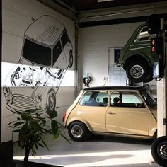 Triple-C Classic Mini Cooper Wings Leather and Enamel Key Ring Key Fob Retro Cars, Vintage Cars, Classic Mini, Classic Cars, Morris Minor, Car Cleaning Hacks, Smart Car, Mini Cooper S, Mini S