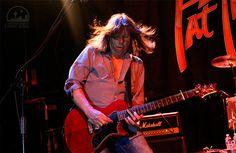 12 de abril – Hoy celebramos el 62 cumpleaños del gran guitarrista y olvidado Pat Travers