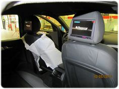 Monitor poggiatesta Alpine installati su Audi Q5, sistema rear entertainment con lettore dvd e usb  #monitorpoggiatesta #audiq5 #alpine