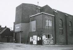 De hoek van de Molenstraat met de Nieuwe Kerkstraat. Het pand heeft het postadres Zuidhaven 103