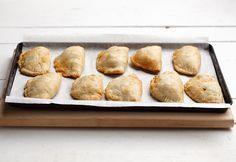 Liven up your party with the best appetizer recipes and make these flavorful packed pockets. Baked Empanadas with Beef Filling is a wonderful little treat that will have your guests coming back for more. Best Party Appetizers, Best Appetizer Recipes, Great Recipes, Baked Empanadas, Candy Cakes, Recipe Details, Perfect Food, Food Lists, Finger Foods