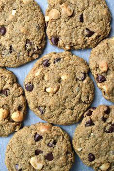 Best Vegan Macadamia Nut Cookies | http://www.radiantrachels.com/gluten-free-vegan-macadamia-nut-cookies/