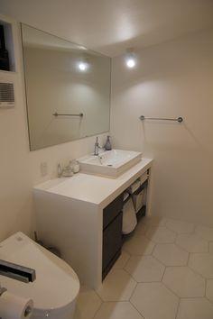 Corner Bathtub, Bathroom Lighting, Mirror, Furniture, Home Decor, Bathroom Light Fittings, Bathroom Vanity Lighting, Decoration Home, Room Decor