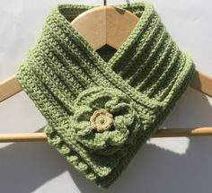 free crochet cowl neck patterns with buttons Crochet Mens Scarf, Lace Scarf, Crochet Scarves, Crochet Shawl, Crochet Hooks, Free Crochet, Knit Crochet, Afghan Crochet Patterns, Knitting Patterns
