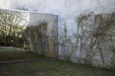 Image 2 of 12 from gallery of Capela Creu / Nuno Valentim Arquitectura. Photograph by João Ferrand