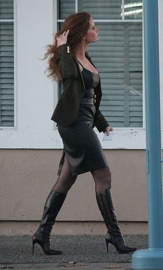 Rebecca Mader- Behind the Scenes- September 6 * 7 Heartless Badass Women, Sexy Women, Fashion Models, Fashion Outfits, Womens Fashion, Womens Thigh High Boots, Sexy Boots, Elegant Woman, Leather Dresses