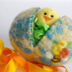 All natural Easter Eggs with play silk and felted animal --waldorf Easter basket? #easter #easter egg