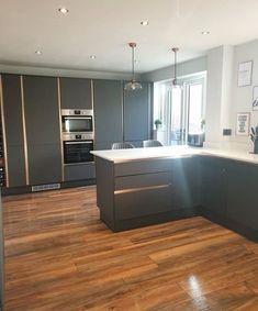 Kitchen Room Design, Home Decor Kitchen, Kitchen Living, Home Kitchens, Modern Kitchens, Kitchen Designs, Kitchen Ideas, Castle Rock, Wren Kitchen