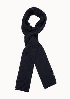 Softer Strickschal in Rippenoptik aus einer angenehm zu tragender 100%-igen Baumwolle für beste Trageeigenschaften mit Wohlfühl-Charakter. Ein sportiver Style mit passender Mütze perfekt zu allen Business- und Freizeitoutfits....