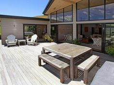 Check out Lockwood's Vista plan now. We design and construct modern houses for New Zealand homeowners. Building Plans, Building A House, New Zealand Architecture, Vista House, New Zealand Houses, Outdoor Bars, Outdoor Decor, House Plans, New Homes