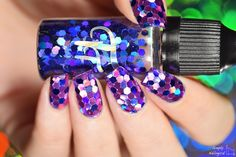 Simply Nailogical: Soccer ball holo glitter placement