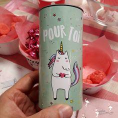 Boîte de guimauves à offrir  Personnalisez-la avec tendresse  40 grammes de friandises  Offrez de la jolie licorne à vos amies.