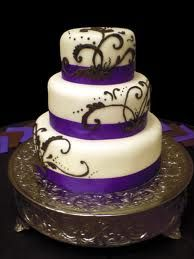 wedding cake - black and white with purple