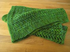 Knitted Bab Blanket in green | IMG_8879 | Flickr - Photo Sharing! #knit #baby