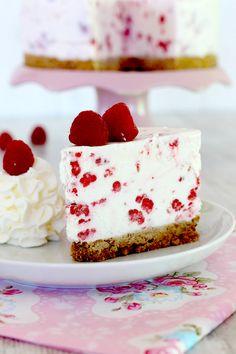 Receta de tarta de queso y frambuesas helada. Deliciosa cheesecake helada fácil. Por Lolita la pastelera
