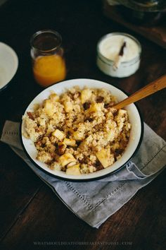 Quinoa with Baked Apples and Almonds   An awesome recipe that's both delicious and healthy. #foodiefridays #recipe