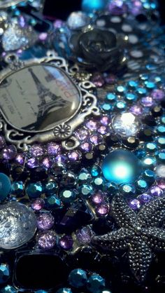 Custom Cell Phone cover / case by   Le-Displays  Find us on FB    cell phone bling , paris ,