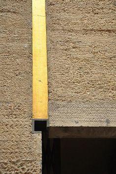 architecture italienne : Carlo Scarpa, 1961, Magasin Gavina, Bologne, détail, doré-gris, 1960s