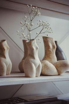 Ceramic Vase, Ceramic Pottery, Pottery Art, Hand Built Pottery, Slab Pottery, Pottery Wheel, Ceramic Flowers, Pottery Painting, Diy Clay
