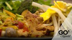 Thai-kylling i farver med koriander og glaskål nudler