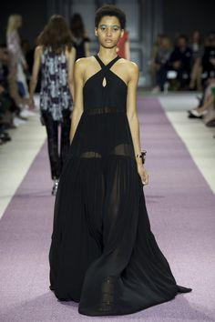 Giambattista Valli Spring 2016 Ready-to-Wear Fashion Show - Lineisy Montero (Next)