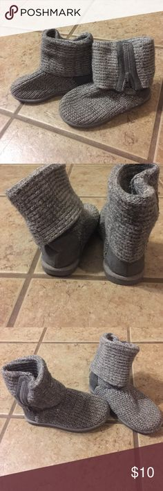 Girls Sweater boots Grey knit boots with faux suede heels.  They zip on outside of boot and have shimmer thread knotted throughout.  Great condition and smoke free home. Sonoma Shoes Boots