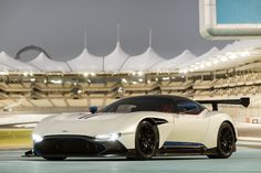 Aston-Martin Vulcan with V12 and  820PS